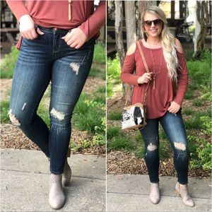 ✨LAST ONE✨PLUS Dark Denim Distressed Skinny Jeans